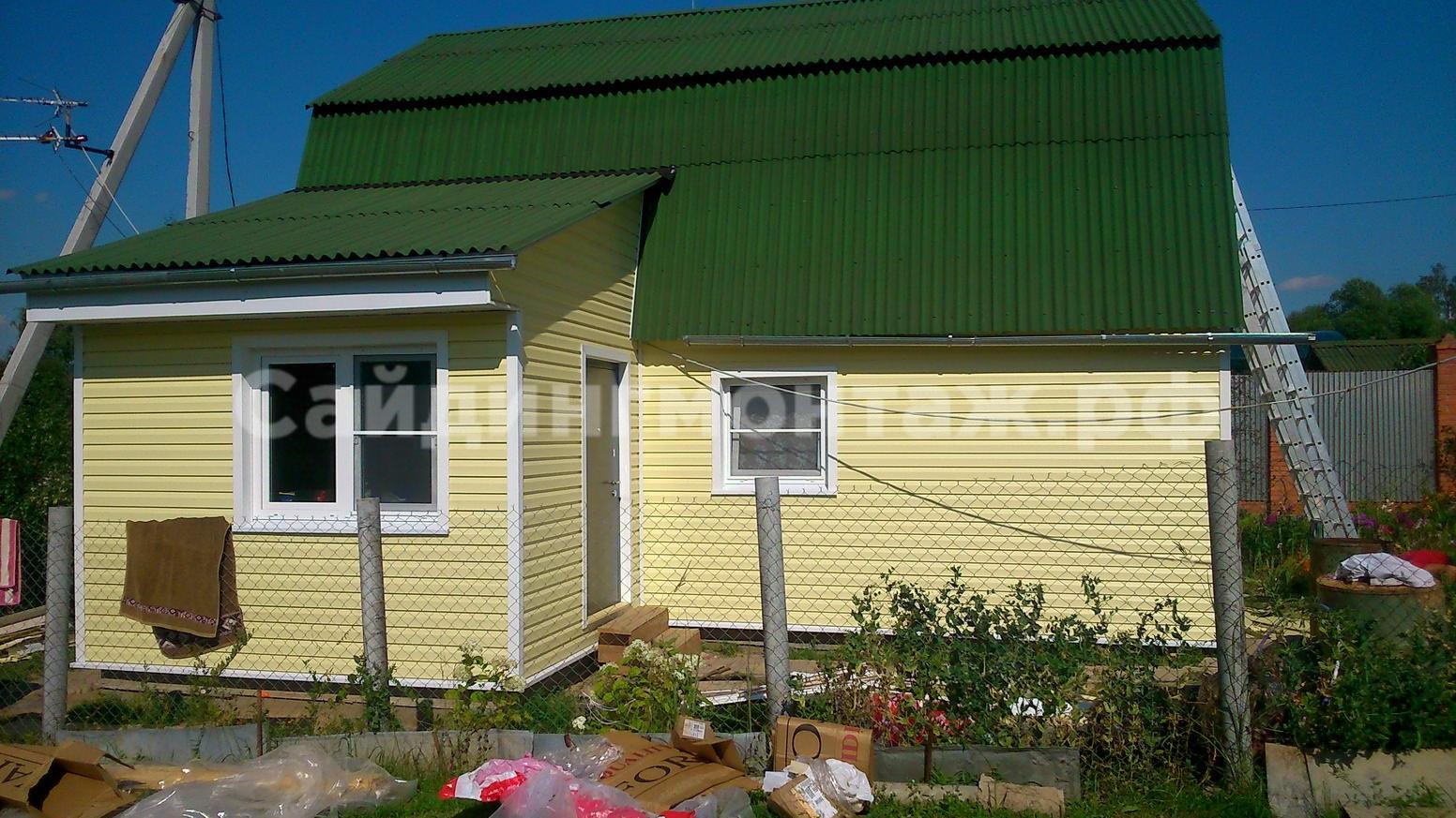 Фото дачных домов из разных цветов сайдинга